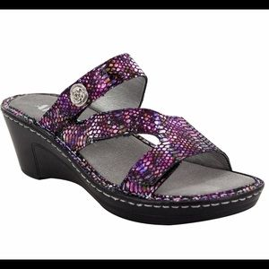 Alegria by PG Lite New Size 7 and 8 US Loti Sandal